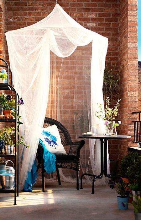 balcony-decorating-ideas-3-573c3af6d0c7c__700